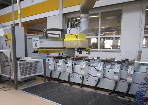 unternehmen_2001-cnc-bearbeitungszentrum